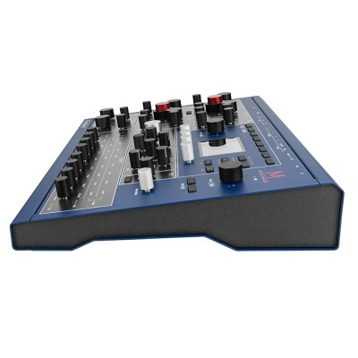 Waldorf M Wavetable Synthesizer Right