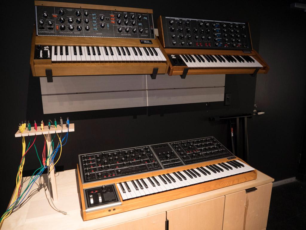 Soundlab con Minimoogs Model D y el Moog One