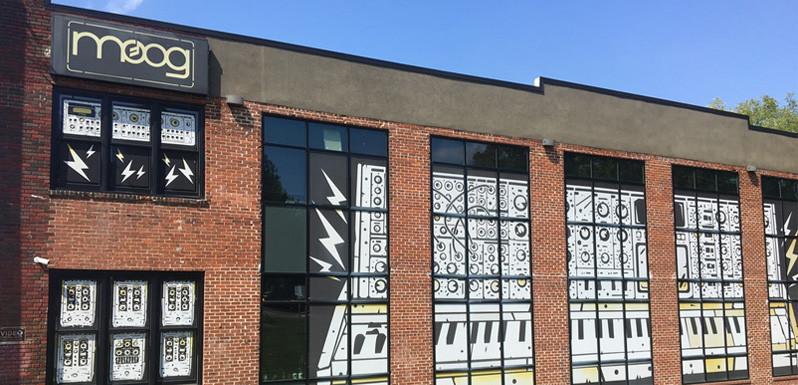 Visitamos las instalaciones de Moog Music
